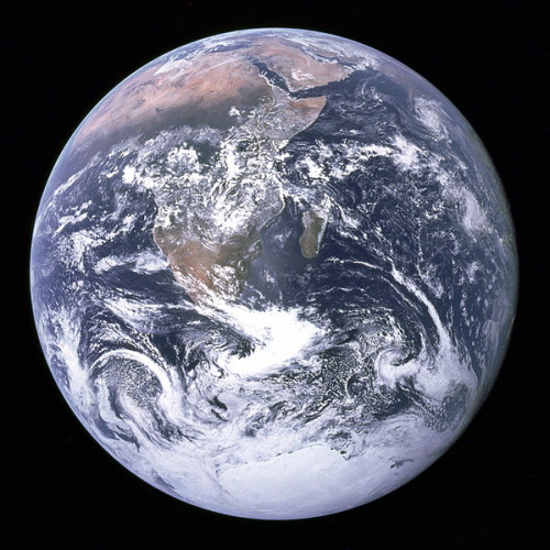 1 599px-The_Earth_seen_from_Apollo_17